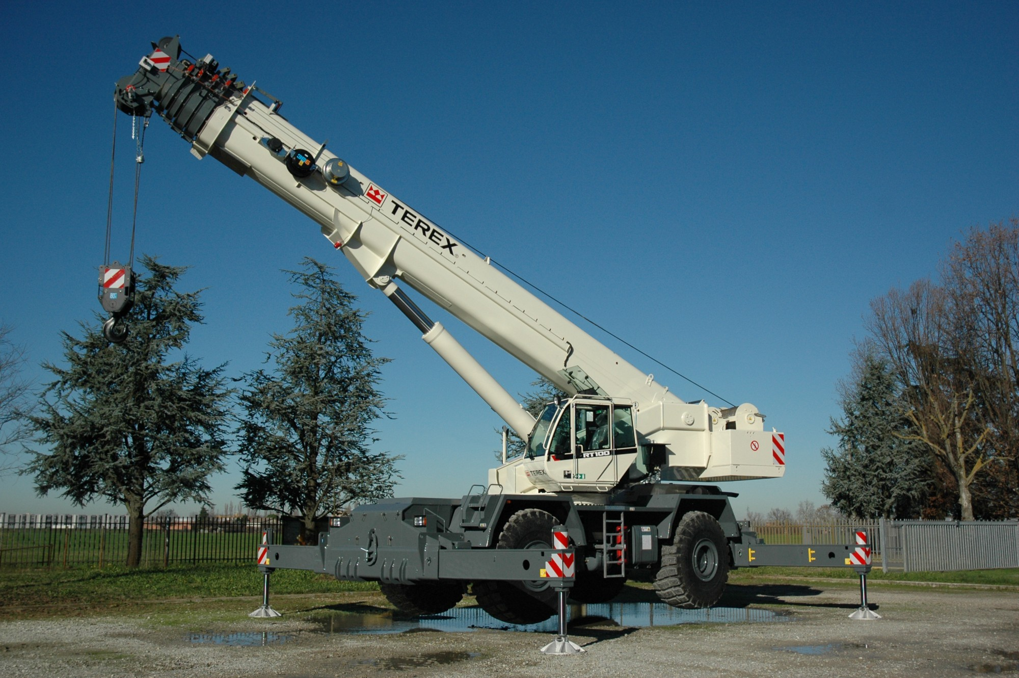 Rough Terrain Cranes For Rent